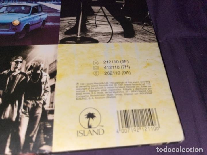 Discos de vinilo: LP U2 ATCHUNG BABY CORRECTO CIERTO USO ENCARTE, TIO DESNUDO EN TAPA - Foto 4 - 284493373