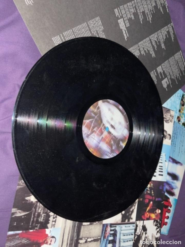 Discos de vinilo: LP U2 ATCHUNG BABY CORRECTO CIERTO USO ENCARTE, TIO DESNUDO EN TAPA - Foto 8 - 284493373