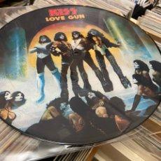 Discos de vinilo: KISS LOVE GUN DISCO DE VINILO PICTURE LP. Lote 285388263