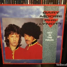 Discos de vinilo: GARY MOORE AND PHIL LYNOTT - OUT IN THE FIELDS. Lote 286064383