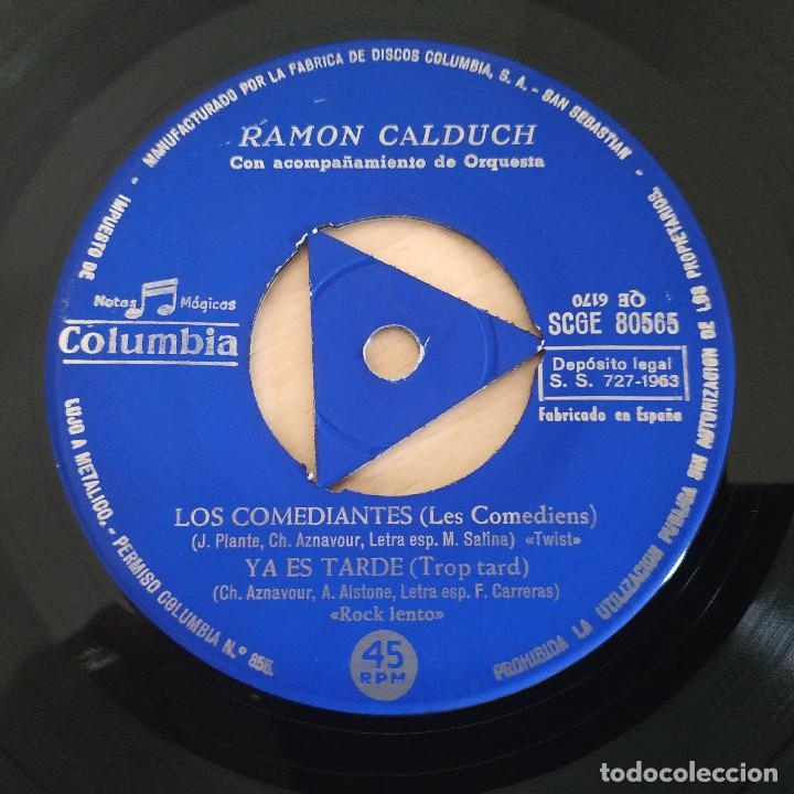 Discos de vinilo: RAMÓN CALDUCH INTERPRETA A CHARLES AZNAVOUR - AL AMANECER / LOS COMEDIANTES / YA ES TARDE - EP 1963 - Foto 4 - 286824338