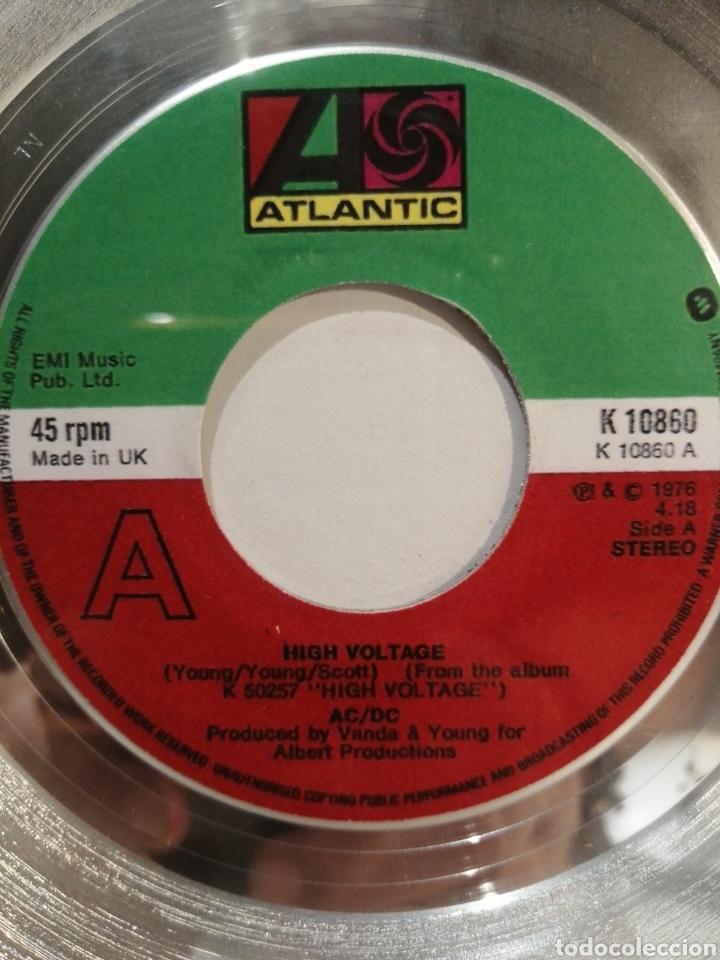 Discos de vinilo: Disco de Platino AC/DC Single High Voltage - Foto 2 - 286894858