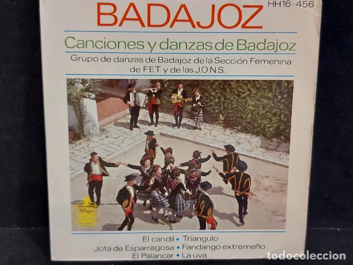 SECCIÓN FEMENINA F.E.T. Y DE LAS J.O.N.S / CANCIONES DE BADAJOZ / EP - HISPAVOX-1963 / MBC. ***/*** (Música - Discos de Vinilo - EPs - Country y Folk)