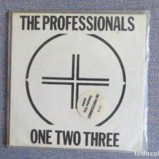 Discos de vinilo: THE PROFESSIONALS . ONE TWO THREE (SINGLE) INCLUYE POSTER !! SEX PISTOLS. Lote 287603338