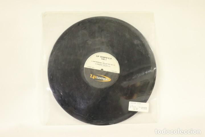 VINILO UP TEMPO VOL.1 (Música - Discos de Vinilo - Maxi Singles - Techno, Trance y House)
