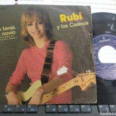 Discos de vinilo: RUBÍ Y LOS CASINOS SINGLE YO TENÍA UN NOVIO 1980 ESCUCHADO. Lote 287866058
