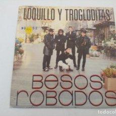 Discos de vinilo: SINGLE/LOQUILLO Y LOS TROGLODITAS/BESOS ROBADOS.. Lote 287925638