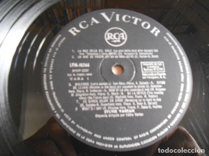 Discos de vinilo: SYLVIE VARTAN, LP, LA MÁS BELLA DEL BAILE+ 15, AÑO 1964 - Foto 4 - 288029228