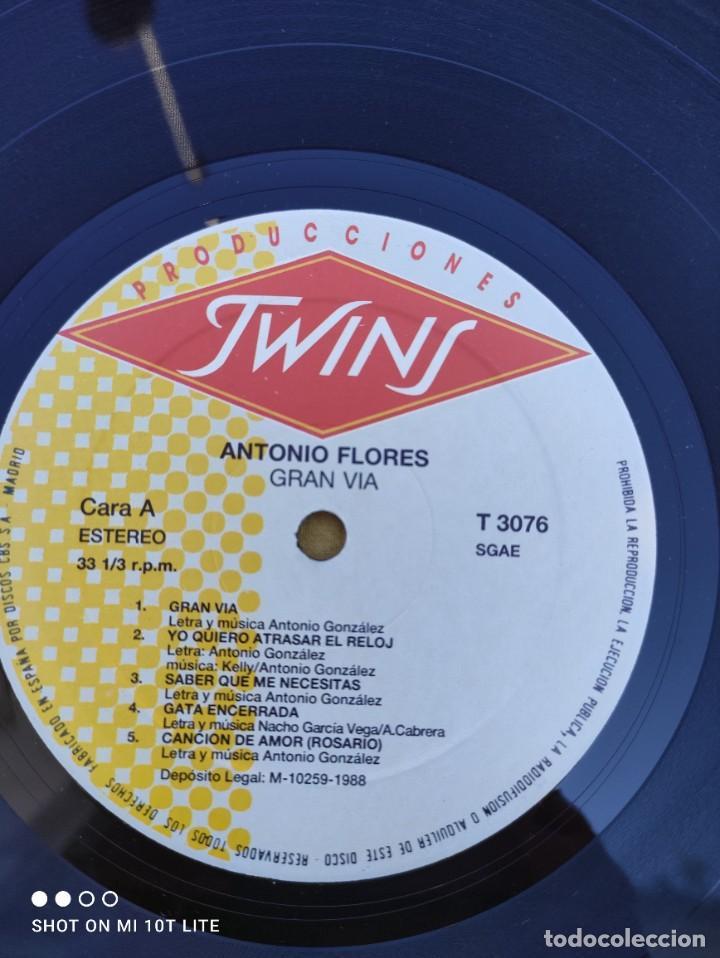 Discos de vinilo: LP. ORIGINAL ANTONIO FLORES - GRAN VÍA - SELLO TWINS T 3076 SP. AÑO 1988. COMPLETO CON LETRAS - Foto 10 - 288371798