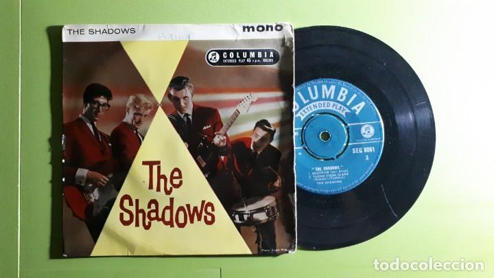 THE SHADOWS - MUSTANG +3 - 1961 - COMPRA MÍNIMA 3 EUROS (Música - Discos de Vinilo - EPs - Pop - Rock Internacional de los 50 y 60)