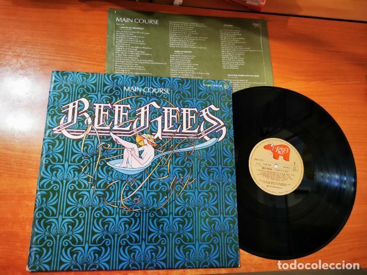 BEE GEES MAIN COURSE LP VINILO DEL AÑO 1975 ENCARTE ESPAÑA BARRY GIBB ROBIN GIBB CONTIENE 10 TEMAS (Música - Discos - LP Vinilo - Solistas Españoles de los 70 a la actualidad)