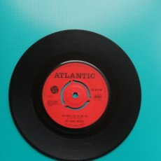 Disques de vinyle: THE YOUNG RASCALS - TOO MANY FISC IN THE SEA-NO LOVE TO GIVE. Lote 288629458
