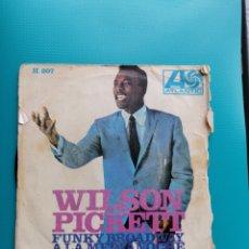 Discos de vinilo: WILSON PICKETT - FUNKY BROADWAY. Lote 288679468