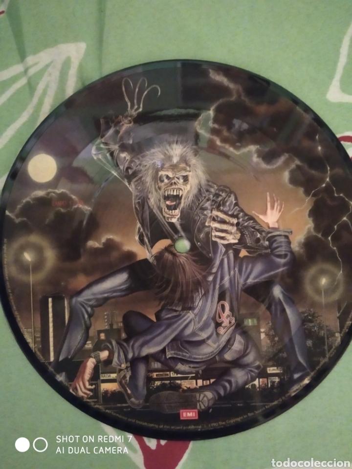 Discos de vinilo: Iron Maiden. Bring your daughter. Single picture. - Foto 3 - 288739073