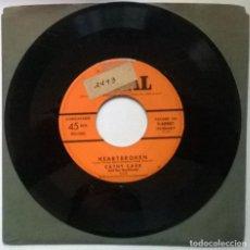 Discos de vinilo: CATHY CARR & HER BOYFRIENDS. HEARTBROKEN/ HALF PINT BOOGIE. CORAL, USA 1953 SINGLE. Lote 289023838