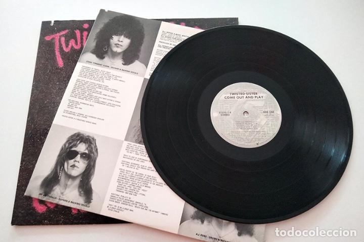 Discos de vinilo: VINILO LP DE TWISTED SISTER. COME OUT AND PLAY. 1985. - Foto 4 - 289232723