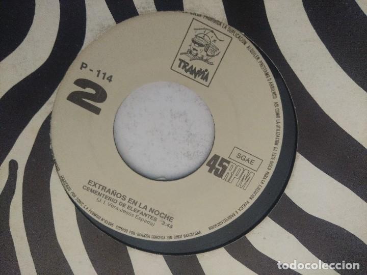 Discos de vinilo: EXTRAÑOS EN LA NOCHE/UN AÑO MAS/SINGLE. - Foto 3 - 289333503
