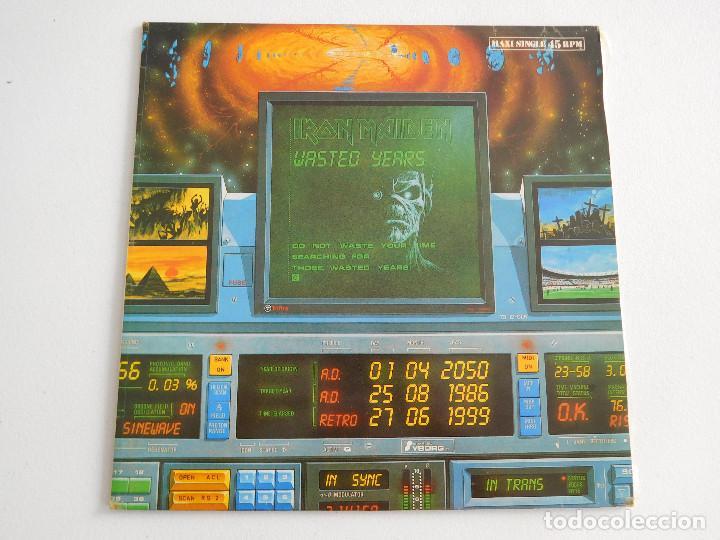 Discos de vinilo: Iron Maiden. 12 Single. Wasted years. Edición original española del 1986 - Foto 2 - 289353763