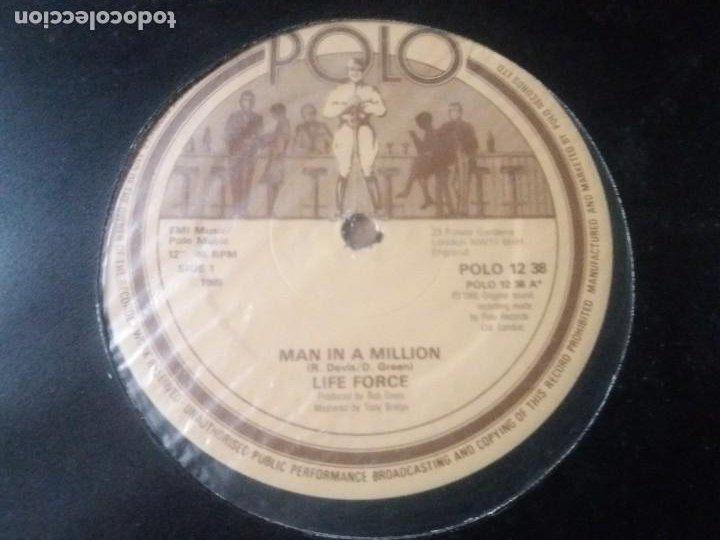 LIFE FORCE / MAN IN A MILLION / MAXI-SINGLE 12 PULGADAS (Música - Discos de Vinilo - Maxi Singles - Electrónica, Avantgarde y Experimental)