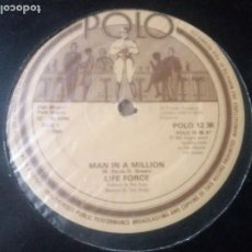 Discos de vinilo: LIFE FORCE / MAN IN A MILLION / MAXI-SINGLE 12 PULGADAS. Lote 289502218