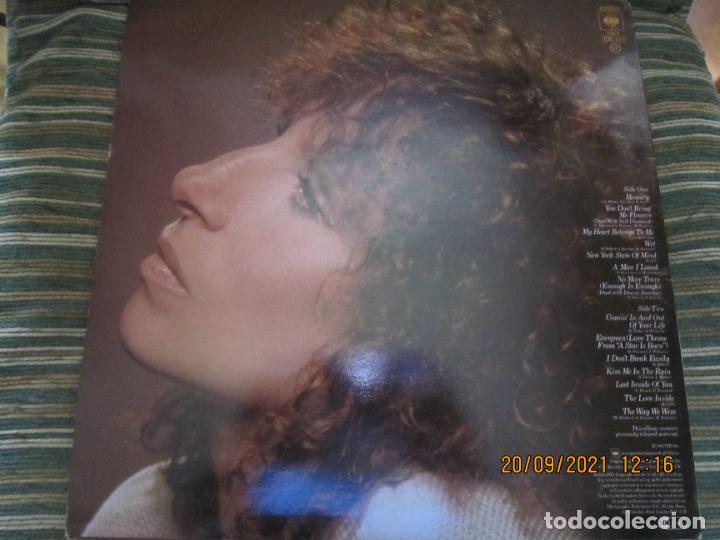 Discos de vinilo: BARBRA SREISAND - LOVE SONG LP - ORIGINAL INGLES - CBS RECORDS 1981 CON FUNDA INT. ORIGINAL - Foto 2 - 289569293