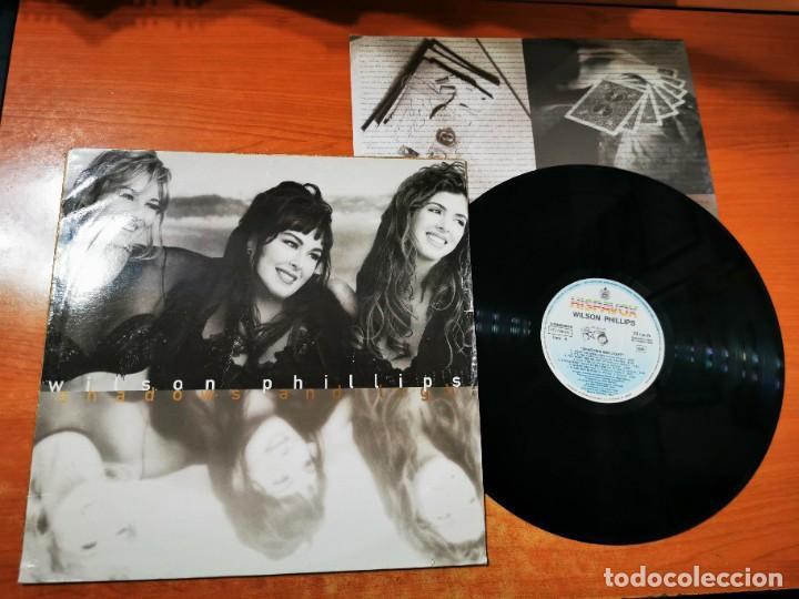 WILSON PHILLIPS SHADOWS AND LIGHT LP VINILO DEL AÑO 1992 ESPAÑA CON ENCARTE CONTIENE 13 TEMAS (Música - Discos - LP Vinilo - Pop - Rock Internacional de los 90 a la actualidad)