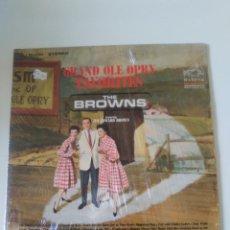 Discos de vinilo: THE BROWNS GRAND OLE OPRY FAVORITES ( 1964 RCA VICTOR USA ) ORIGINAL STEREO MUY BUEN ESTADO. Lote 289859223