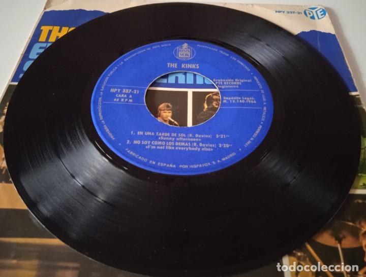 Discos de vinilo: The Kinks!... En Una Tarde De Sol = Sunny Afternoon. (Pye Records 1966) Spain. - Foto 3 - 290141233