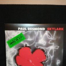 Discos de vinilo: LP PAUL DESMOND FEATURING GABOR SZABO - SKYLARK (LP, ALBUM, RE), 1983 ESPAÑA, IMPECABLE. Lote 290581913