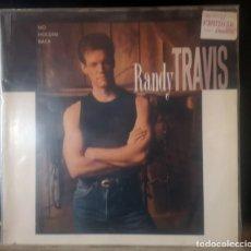 Discos de vinilo: RANDY TRAVIS - NO HOLDIN BACK. Lote 292156753