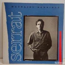 Discos de vinilo: JOAN MANUEL SERRAT / MATERIAL SENSIBLE / LP - ARIOLA-BMG-1989 / MBC.***/***. Lote 293275703