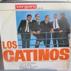 Discos de vinilo: LOS CATINOS. CIUDAD SOLITARIA. CAE LA NIEVE. SIEMPRE A TU LADO. EL PRIMER BESO. - EP 1964. Lote 293860128