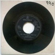 Discos de vinilo: SOLOMON KING. SHE WEARS MY RING/ I GET THAT FEELING OVER YOU. COLUMBIA, UK 1967 SINGLE. Lote 293972908
