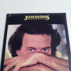 Discos de vinilo: JULIO IGLESIAS MOMENTOS ( 1982 CBS ESPAÑA ) MUY BUEN ESTADO. Lote 294147748
