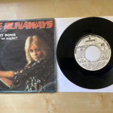 """Discos de vinilo: THE RUNAWAYS - CHERRY BOMB / IS IT DAY OR NIGHT? - SINGLE 7"""" SPAIN 1976 PROMO. Lote 294148728"""