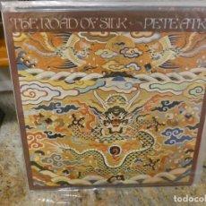 Discos de vinilo: CAJJ146 LP PRECIOSO FOLK UK 1974 PETE ATKIN SILK ROAD. Lote 294496508