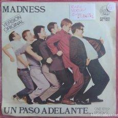 Discos de vinilo: MADNESS – UN PASO ADELANTE... = ONE STEP BEYOND. EDICION ESPAÑOLA PORTADA UNICA SKA 2 TONE. Lote 294568963