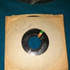 Discos de vinilo: SINGLE LIONEL HAMPTON ,HAPPINESS Y THERE IT IS. 1973. Lote 294842263