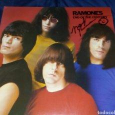 Discos de vinilo: RAMONES. END OF THE CENTURY. SIRE 1980. VINILO ¡¡¡FIRMADO POR MARKY RAMONE!!!. Lote 294938448