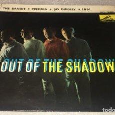 Discos de vinilo: EP OUT OF THE SHADOWS - THE BANDIT Y OTROS TEMAS - LA VOZ DE SU AMO 7EPL13.898 -PEDIDO MINIMO 7€. Lote 294963048