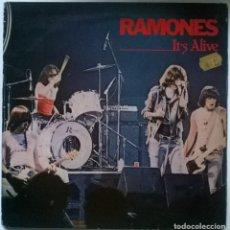 Discos de vinilo: RAMONES. IT.S ALIVE. SIRE, SPAIN 1979 (2 LP + DOBLE CUBIERTA). Lote 295379543