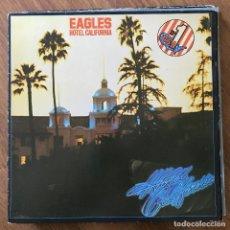 Discos de vinilo: EAGLES - HOTEL CALIFORNIA (1976) - LP ASYLUM 1982 - CON POSTER. Lote 295414358