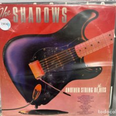 Discos de vinilo: THE SHADOWS - ANOTHER STRING OF HOT HITS (LP, COMP) (1980/UK). Lote 295435313