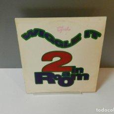 Discos de vinilo: DISCO VINILO MAXI. 2 IN A ROOM – WIGGLE IT. 45 RPM. Lote 295525838