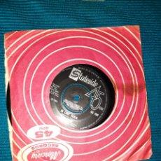 Discos de vinilo: SINGLE GENE PITNEY, BACKSTAGE , IN LOVE AGAIN. 1966. Lote 295528653