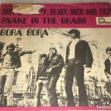 Discos de vinilo: SINGLE DAVE DEE , DOZY , BEAKY MICK AND TICH - SNAKE IN THE GRASS - BORA BORA -PEDIDO MINIMO 7€K. Lote 295544993
