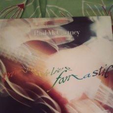 Discos de vinilo: PAUL MCCARTNEY. TRIPPING THE LIVE FANTASTIC. TRIPLE LP MÁS LIBRETO.. Lote 295547798
