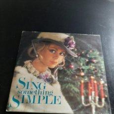 Discos de vinilo: SING SOMETHING SIMPLE. Lote 295757118
