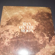 Discos de vinilo: MAN ON THE MOON, PRODUCED BY CBS NEWS WITH WALTERCRONKITE PRODUCED BY JOEL HELLER. Lote 295879743