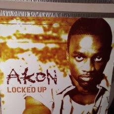 "Discos de vinilo: VINILO MAXISINGLE- AKON ""LOCKED UP"". Lote 296025328"